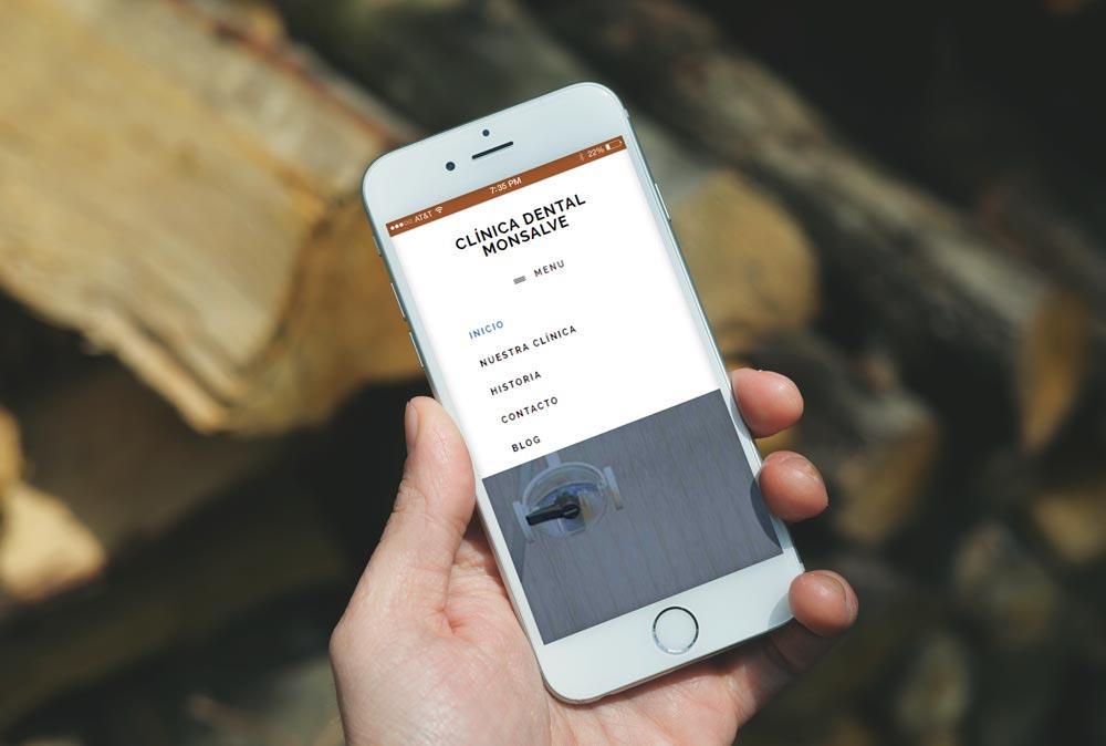 Versión móvil de la web de Clínica Dental Monsalve