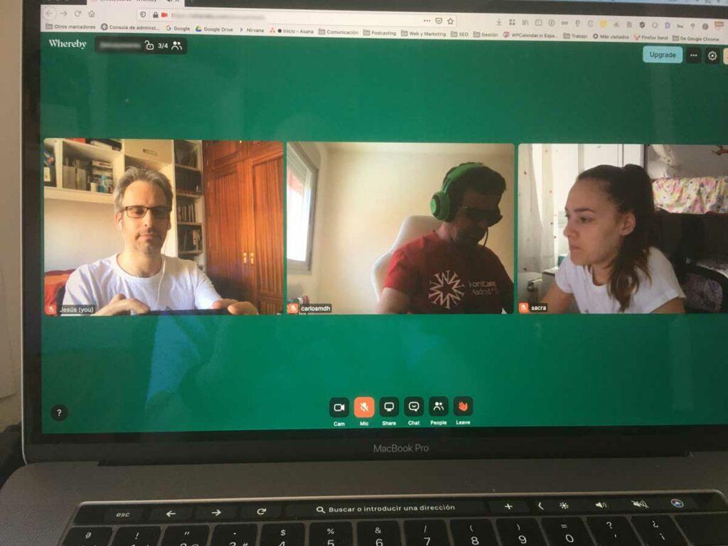 El equipo de marketing de WCES, conectados por videoconferencia